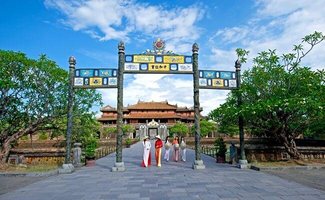 Vietnam travel new year 6
