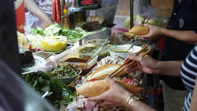 must-try Hoi An street foods 3