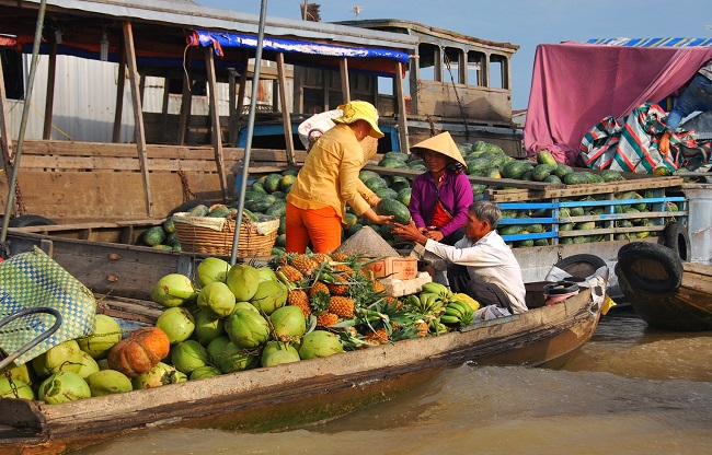 Floating Markets in Mekong Delta 11