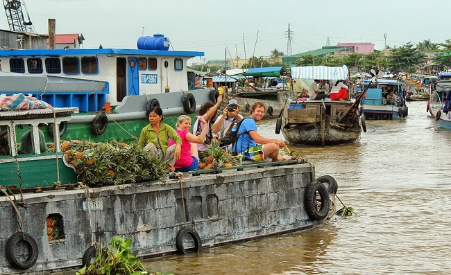 Floating Markets in Mekong Delta 6