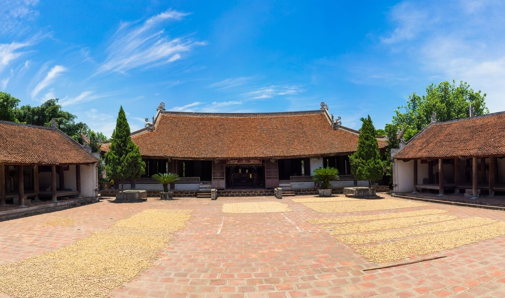 day-trip-to-duong-lam-ancient-village-3