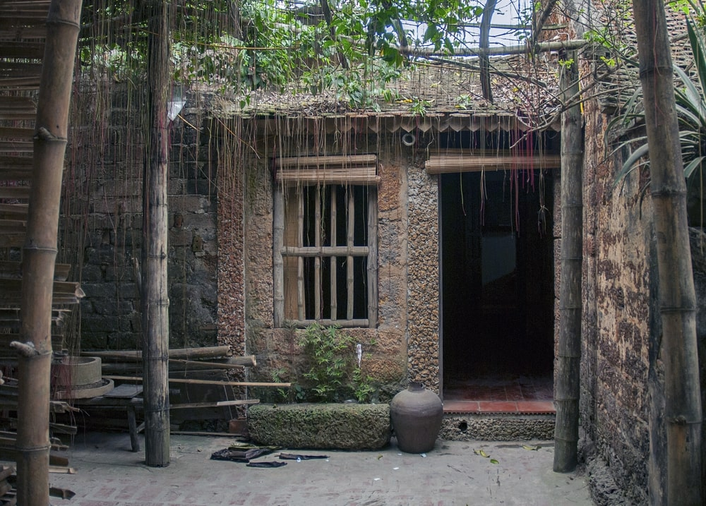 day-trip-to-duong-lam-ancient-village-4