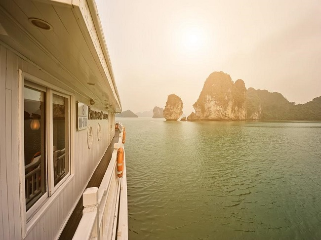 Best 5 Star Cruises in Halong Bay 3