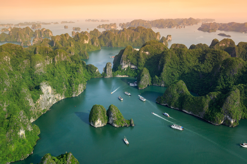 halong bay tours 1
