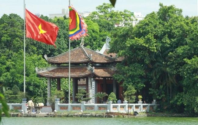 Hoan Kiem Lake 4