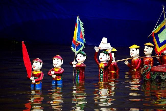 Hoan Kiem Lake 5