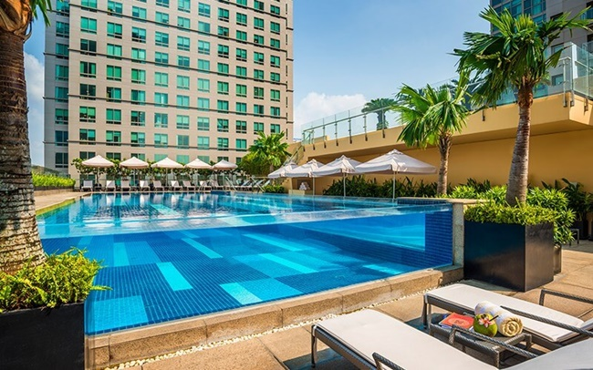 hotel with pool in ho chi minh city 3