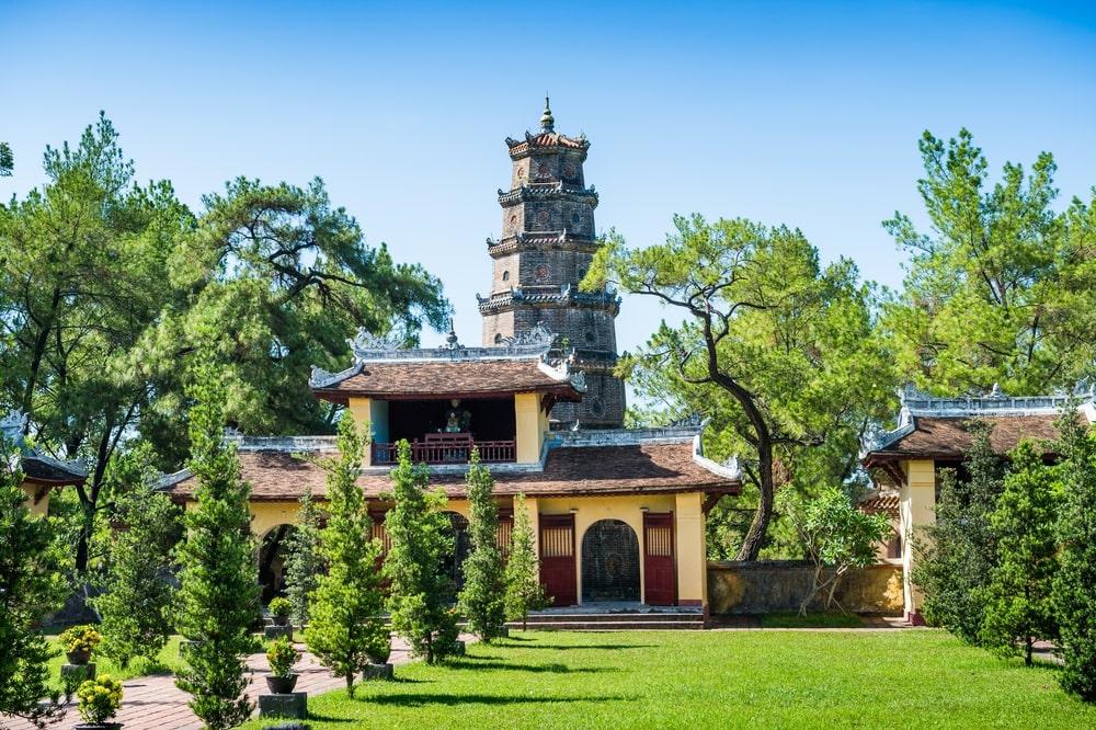 thien mu pagoda 2
