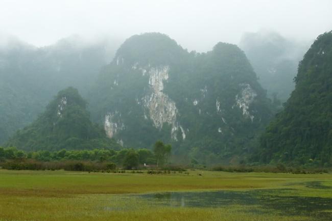lakes in vietnam 11