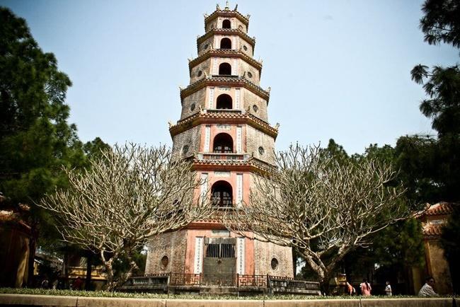 Thien Mu pagoda 3