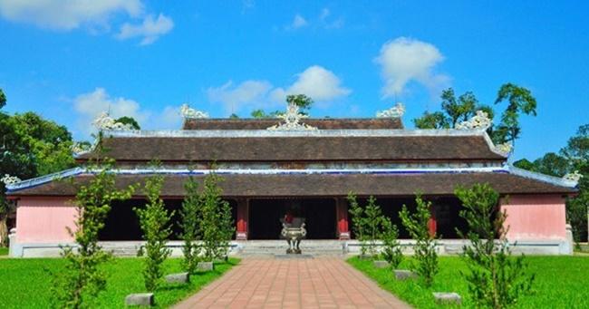 Thien Mu pagoda 4