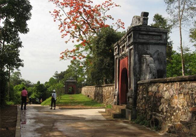 Thien Mu pagoda 8