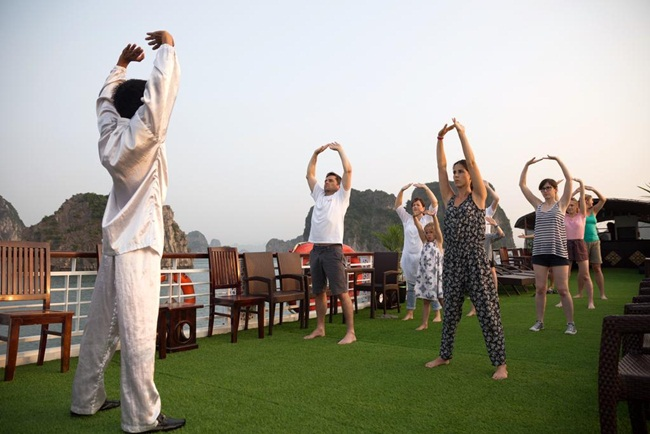 Top 7 Best 4 Star Cruises in Halong Bay 8