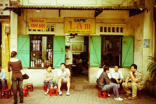 Cafes in Hanoi Old Quarter 9