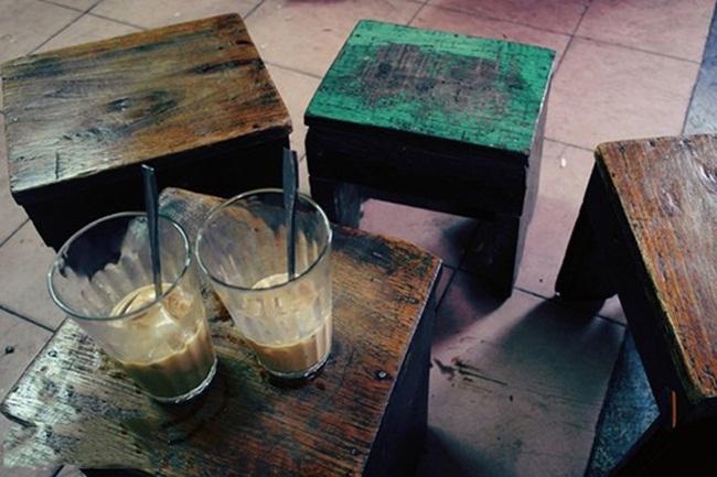 Cafes in Hanoi Old Quarter 14