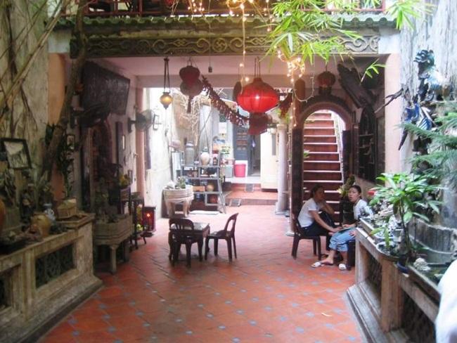 Cafes in Hanoi Old Quarter 6