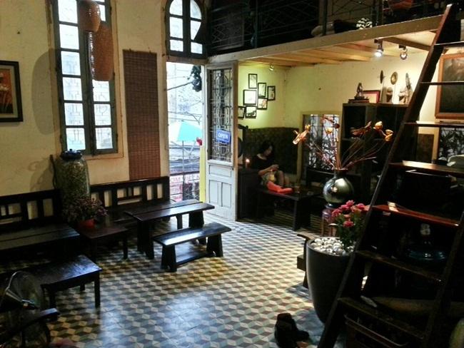 Cafes in Hanoi Old Quarter 19