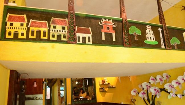 Cafes in Hanoi Old Quarter 18