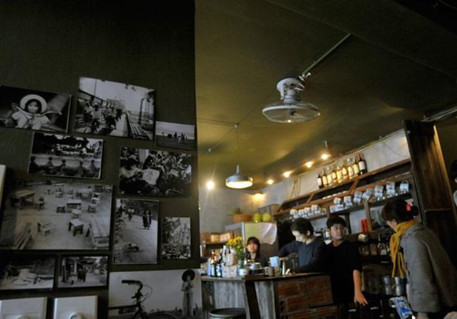 Cafes in Hanoi Old Quarter 23