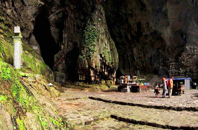 caves in vietnam 8