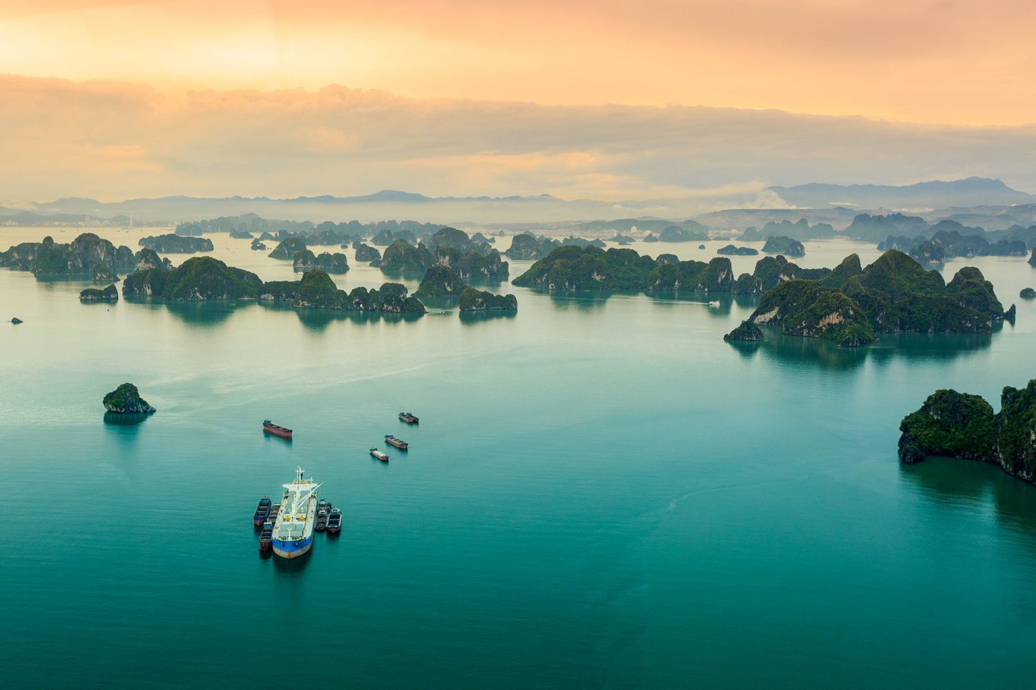 Halong Bay Tour 3 Days 2 Nights from Hanoi By Shuttle Bus